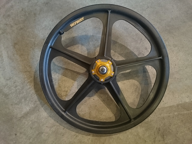 skyway-tuff2-metal-flange-wheel